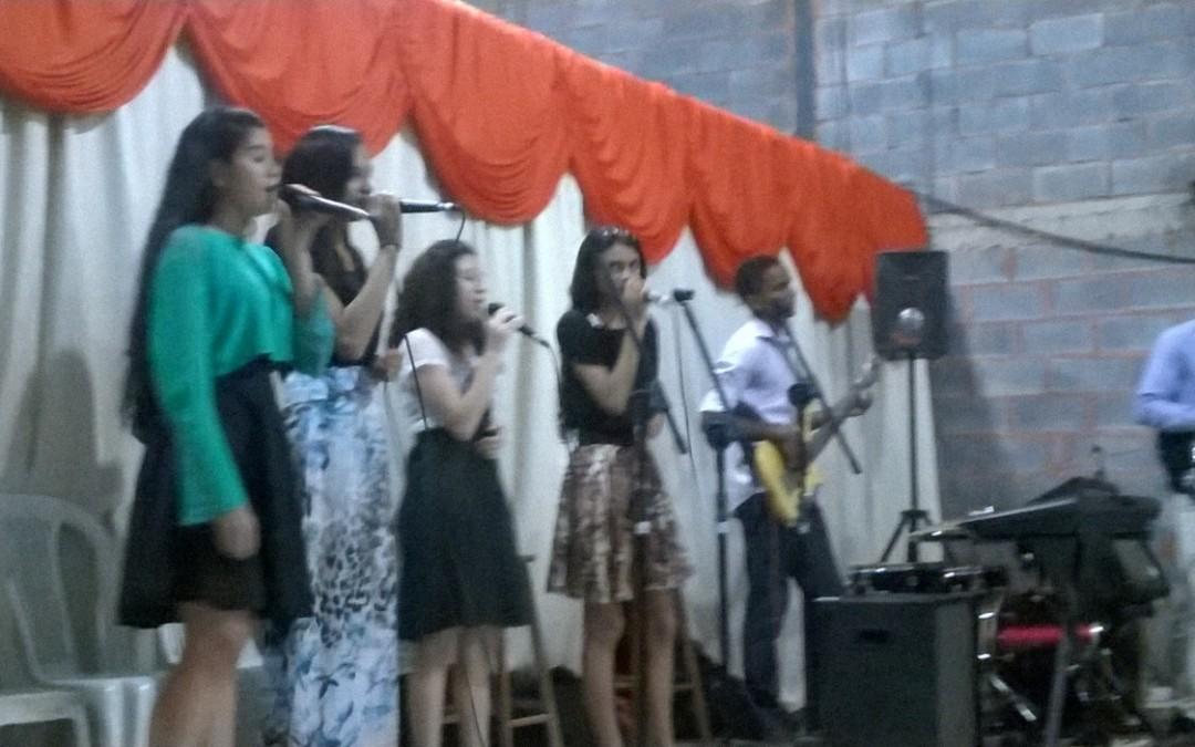 Fotos do culto realizado no dia 13 de dezembro, na Igreja Jeová Tsidkenu, em Montes Claros – MG